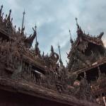 Mandalay, moines et teck