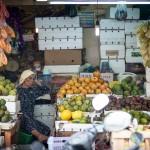 Jakarta, le gros durian... Sous l'écorce le fruit ?
