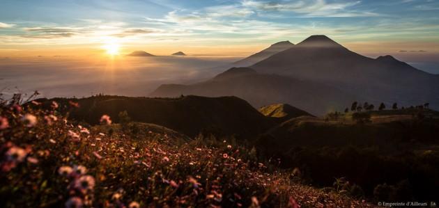 Depuis le Gunung Prahu sur le plateau de Dieng
