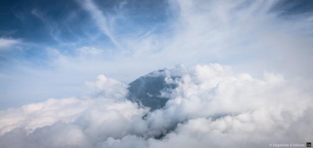 Le volcan Merbabu face au Merapi