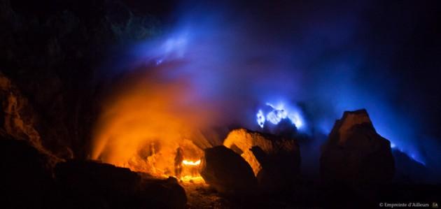 Flammes bleues du Kawah Ijen