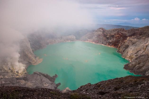 Cratère du volcan Kawah Ijen
